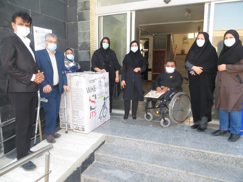 اهداء ۷ دستگاه ویلچر به معلولین مدیریت بهزیستی شهرستان بوشهر
