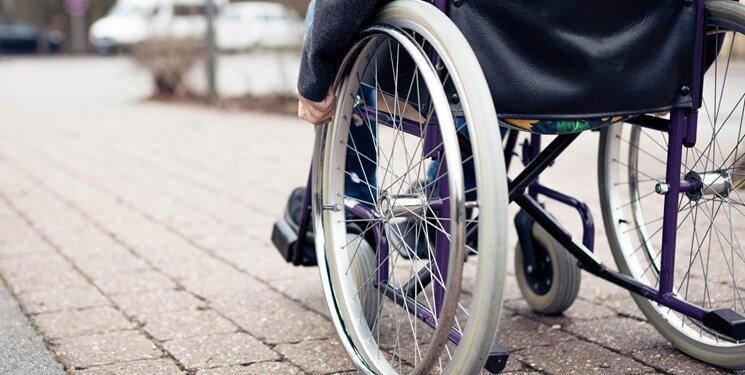 خیرین بستری برای حمایت از ساخت ویلچرهای سبک برای معلولان ایجاد کنند