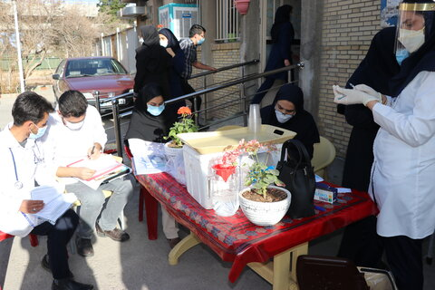 گزارش تصویری| آغاز واکسیناسیون سالمندان مقیم مراکز در کرمان