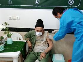 ۲۷.۶ درصد از افراد مقیم در مراکز توانبخشی واکسن دریافت کرده اند