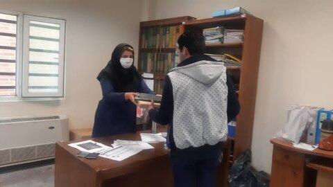 شهرقدس| شش دانش آموز تحت پوشش تبلت گرفتند