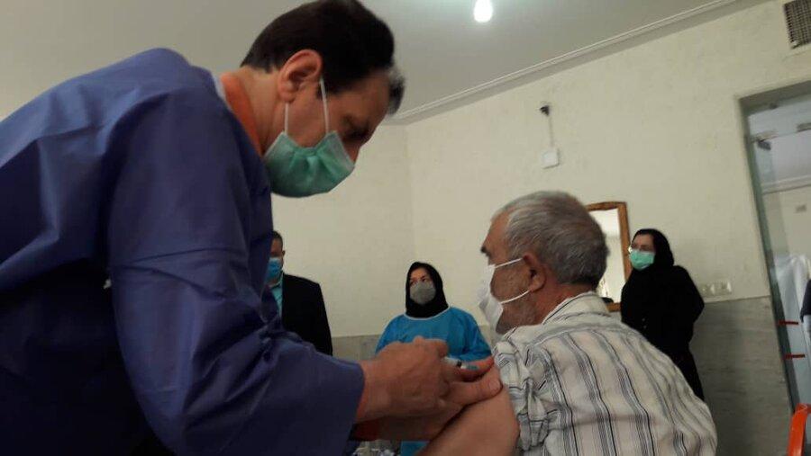 فیلم   واکسیناسیون مراکز سالمندان استان سمنان