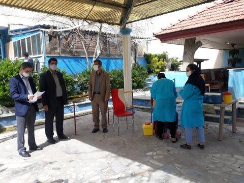 تزریق واکسن کرونا به سالمندان مقیم مراکز سالمندان