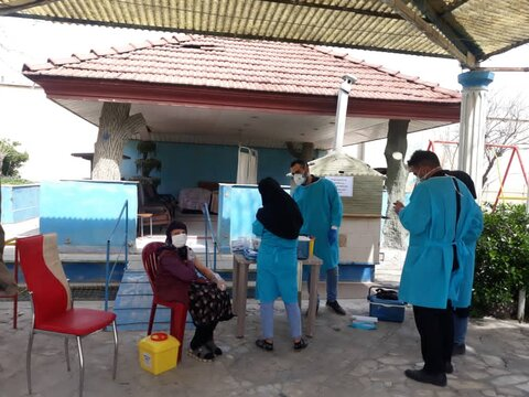 گزارش تصویری|شهریار| تزریق واکسن کرونا به سالمندان مقیم مراکز سالمندان شهریار