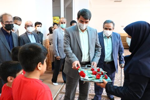 گزارش تصویری | عید دیدنی استاندار یزد با کودکان موسسه خیریه فرزندان آسمانی