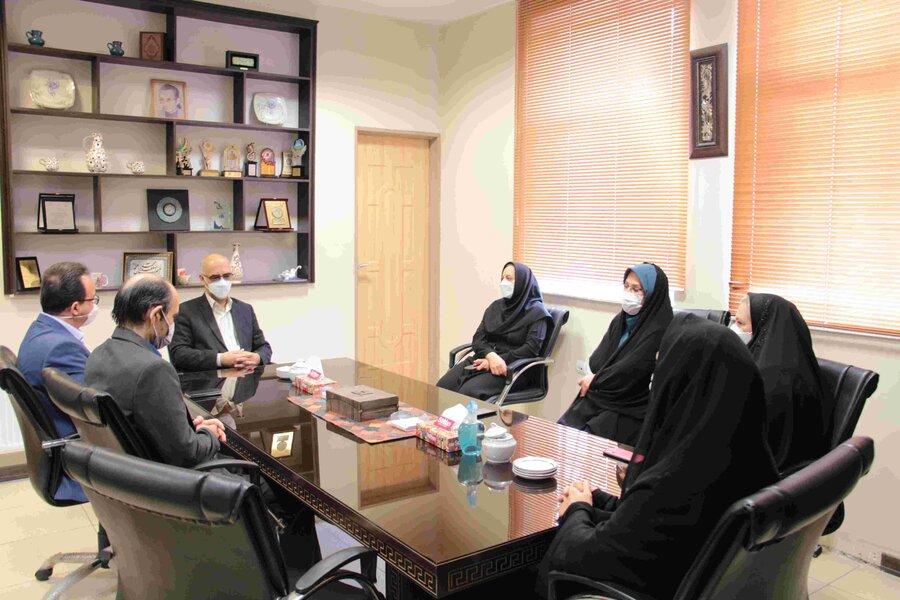 گزارش تصویری   دیدار نوروزی مدیرکل و معاونین با همکاران ستاد استان