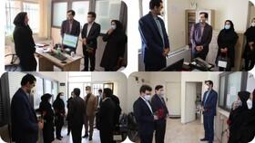 مدیر کل بهزیستی استان البرز با حضور در مرکز جامع مراقبت از خانواده با اهداء گل از زحمات کارکنان تقدیر و تشکر نمود