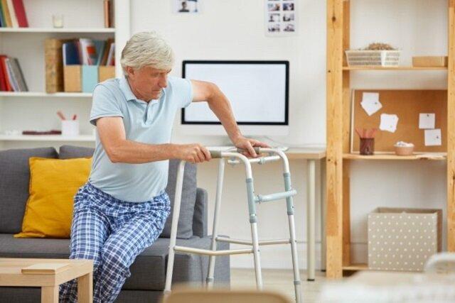 اولین قدم برایخرید واکرمناسب برای افراد مسن/ انواع واکر را بشناسید!