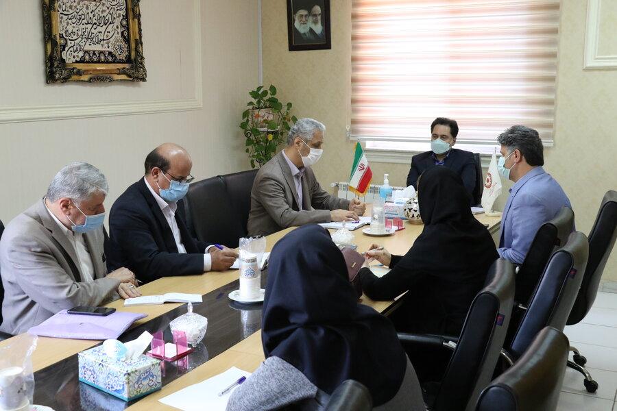 نشست مدیرکل بهزیستی گیلان با مدیران کانون های سندروم داون و اتیسم