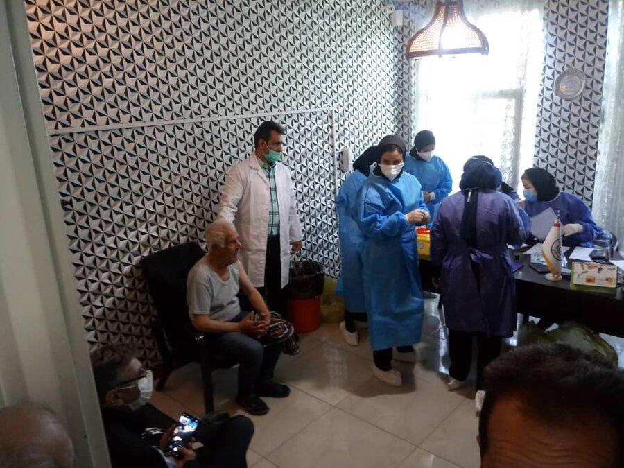 واکسیناسیون بیماران و پرسنل مراکز غیردولتی نگهداری از افراد سالمند