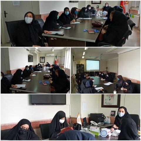 نظرآباد | برگزاری جلسه آموزشی حوزه تخصصی دفتر توانمندسازی خانواده و زنان