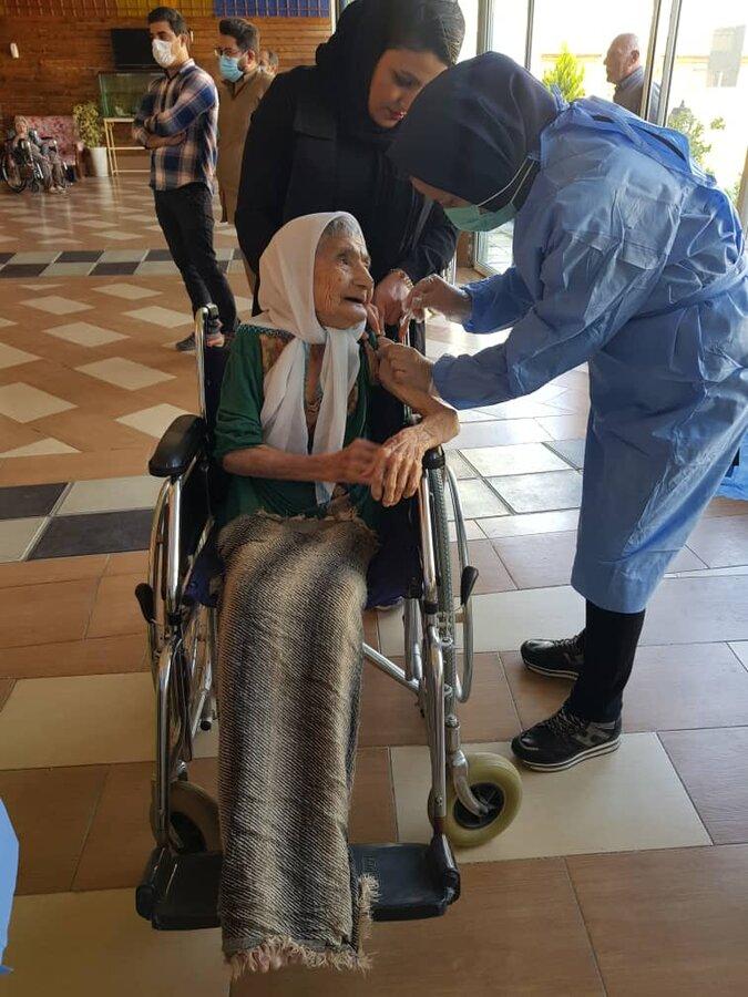 مرحله دوم واکسن اسپوتنیک در مراکز سالمندان بهزیستی کردستان تزریق شد