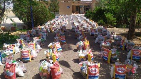 اردستان| توزیع ۲۰۰ سبد کالا بین توانخواهان بهزیستی