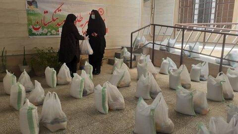 تنگستان|توزیع ۳۹۰بسته معیشتی بین خانوادههای نیازمند