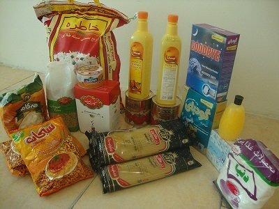 توزیع بسته های غذایی بین مددجویان و نیازمندان توسط موسسه خیریه ائمه اطهار (ع) اردبیل