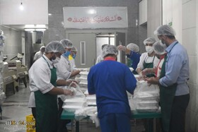 غذای تبرکی مسجد مقدس جمکران بر سفره مددجویان