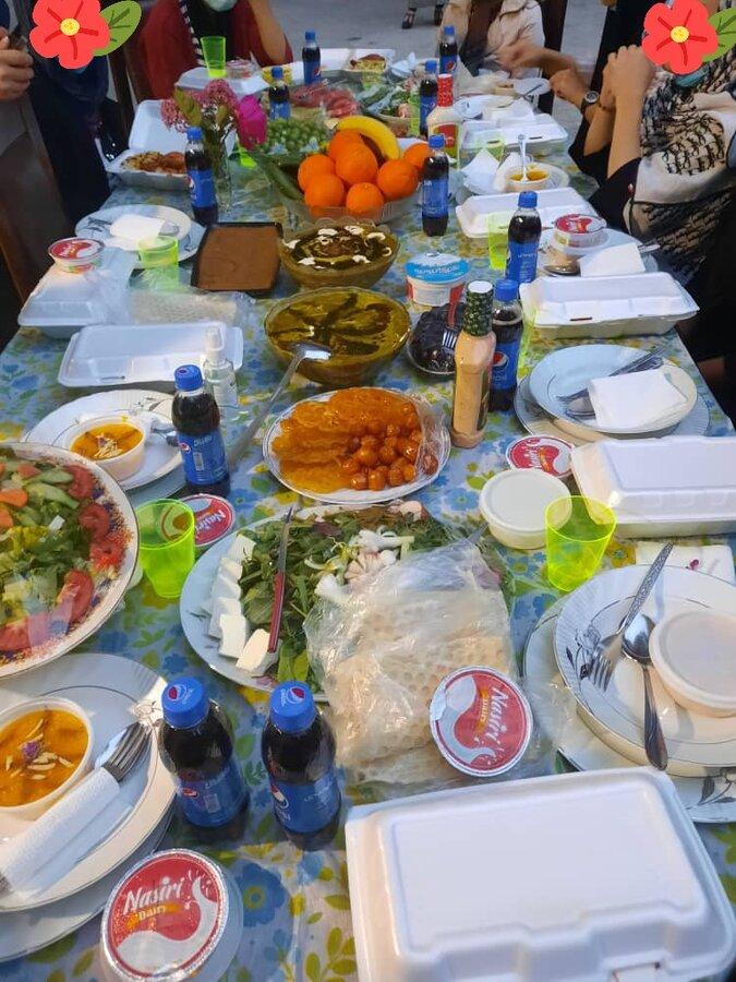 ضیافت افطاری کودکان بی سرپرست و بد سرپرست