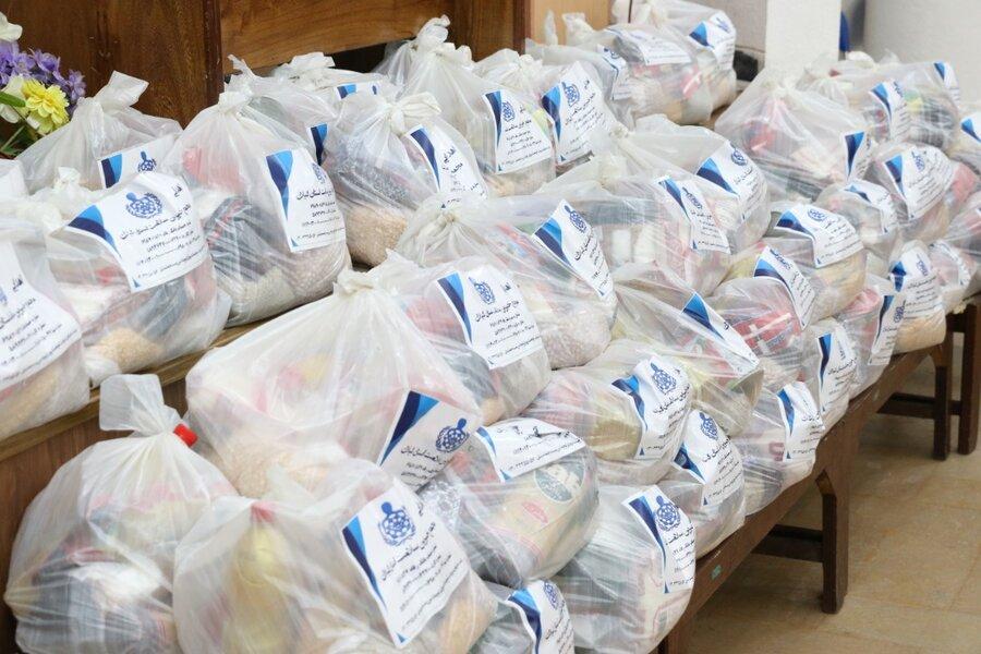 توزیع بسته های حمایتی در بین مددجویان بهزیستی