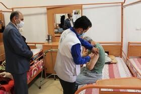 شهرضا| تزریق مرحله اول واکسن کووید۱۹ در مراکز نگهداری تحت نظارت بهزیستی