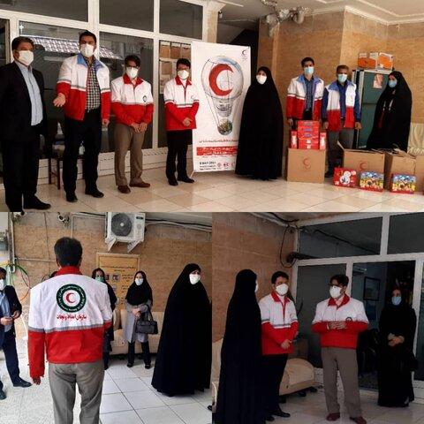 اهداء ۷۶ پک لوازم النحریر به مددجویان بهزیستی استان کرمانشاه به مناسبت هفته هلال احمر