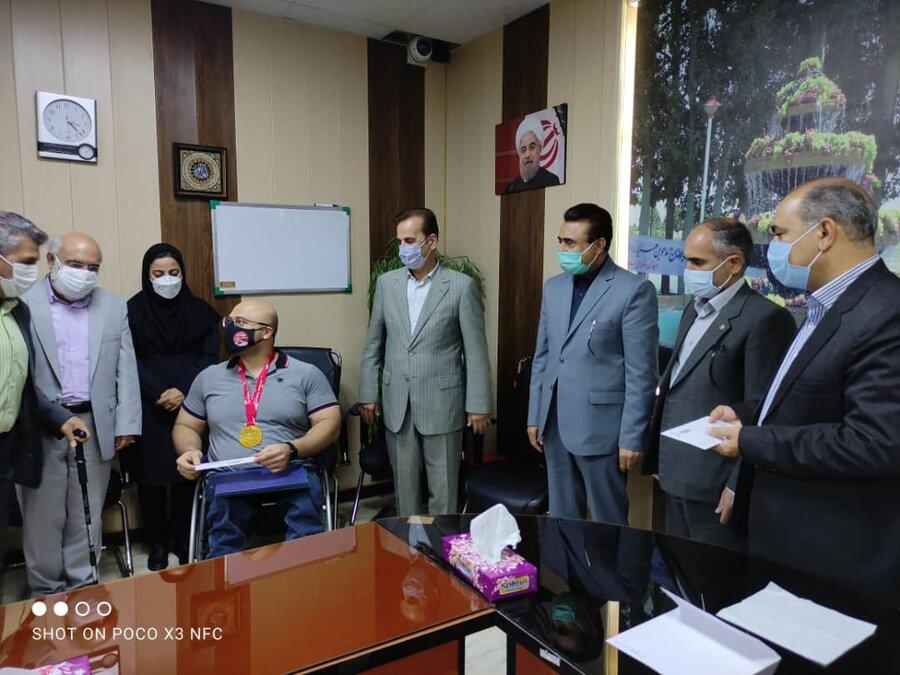 رباط کریم| مراسم تجلیل از قهرمان توانخواه وزنه برداری برگزار شد
