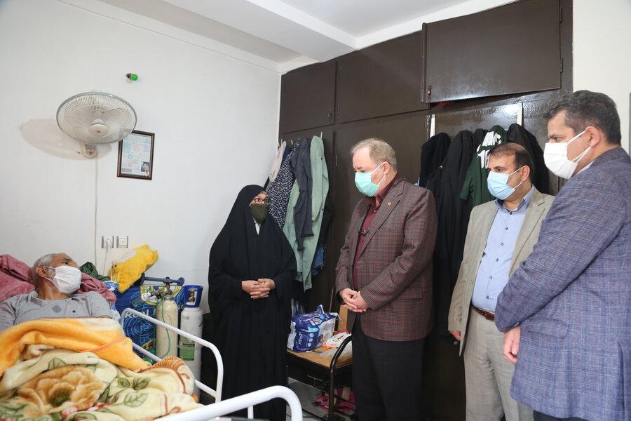 دیدار مدیرکل بهزیستی مازندران با خانواده جانباز دوران دفاع مقدس