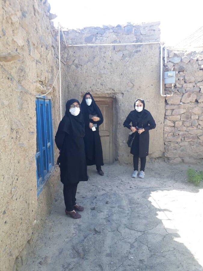 بازدید رئیس بهزیستی جاجرم ازمناطق زلزله زده