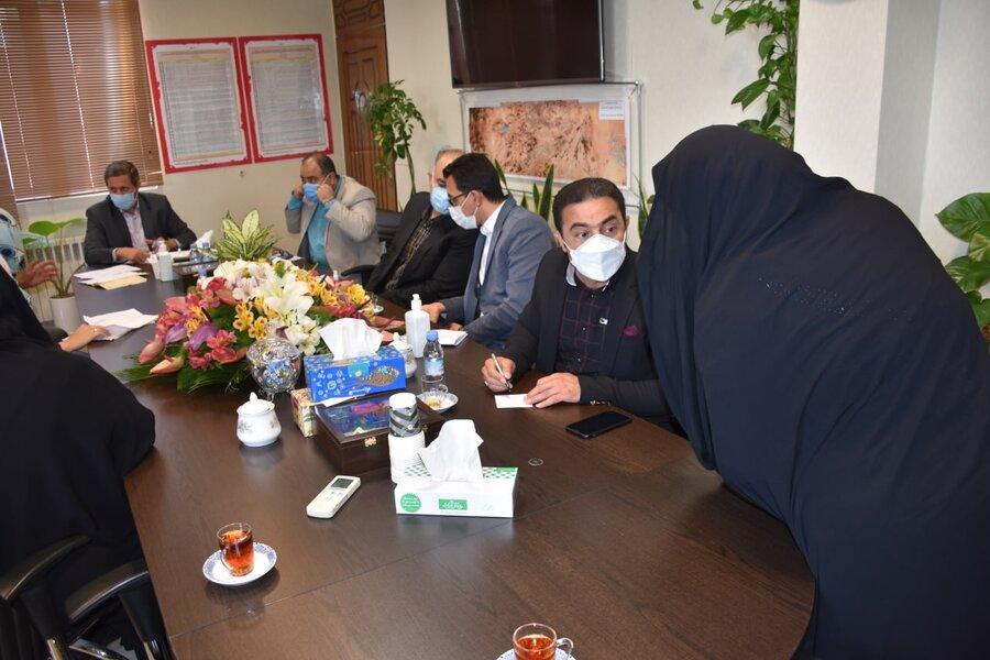 ملاقات مردمی رئیس بهزیستی با مددجویان در دفتر فرماندار