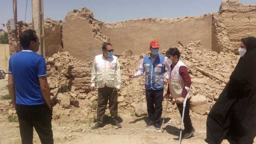 تصاویری از حضورنماینده بهزیستی کشور در مناطق آسیب دیده از زلزله