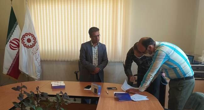 آران و بیدگل  اهدای چهار دستگاه تبلت به دانشآموزان کمبرخوردار بهزیستی