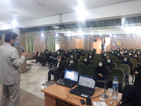 مشهد | برگزاری دورههای آموزشی ویژه پرسنل مراکز مثبت زندگی