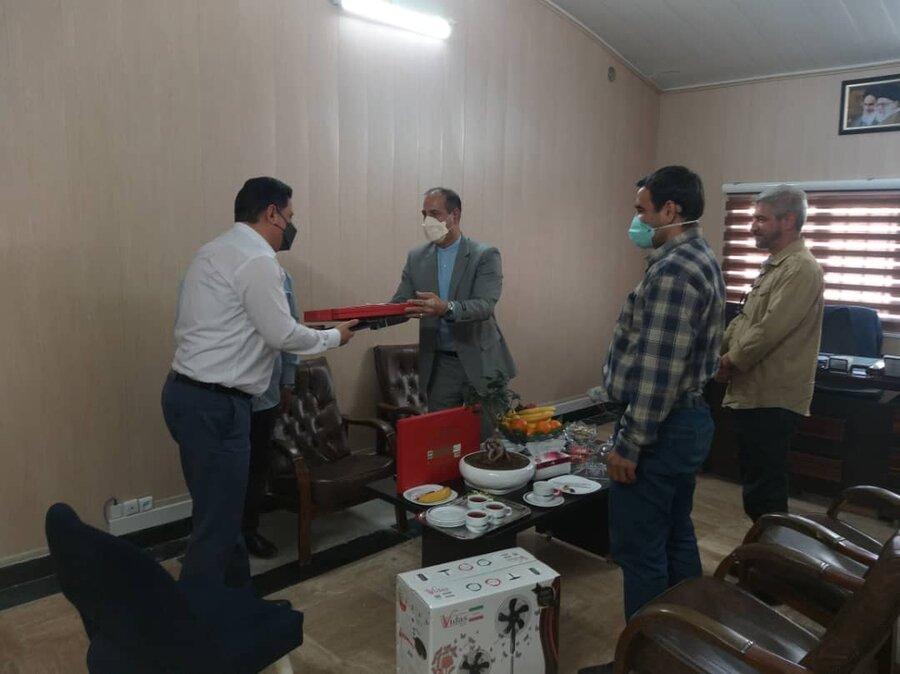 تجلیل فرمانده بسیج بهزیستی کشور از ایثارگران شاغل در بهزیستی شهرستان پردیس