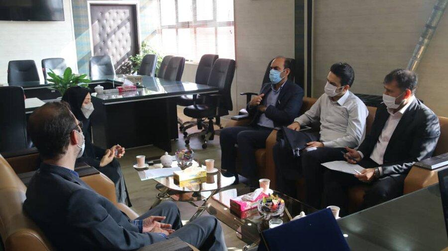 دیدار مدیر بانک رسالت استان قم با مدیر کل بهزیستی