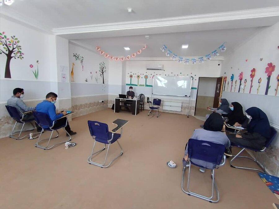 داراب   کارگاه آموزشی مدیریت رفتار کودکان و نوجوانان