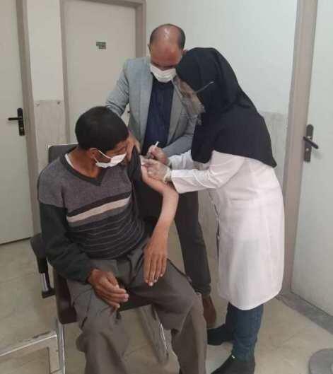 دهاقان| مددجویان مراکز توانبخشی روزانه شهرستان دز اول واکسن کووید ۱۹ را دریافت کردند