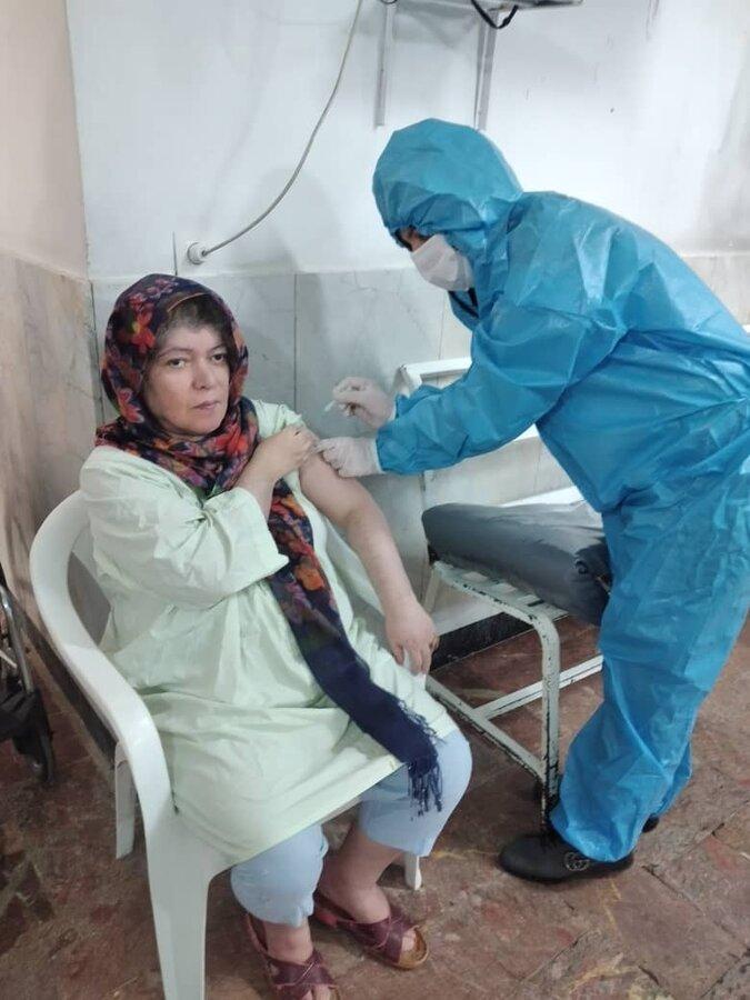 شهرقدس| تزریق واکسن کرونا در مرکز سالمندان