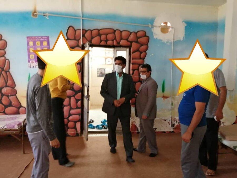 گزارش تصویری| بازدید مدیرکل بهزیستی خراسان جنوبی از کمپ ترک اعتیاد شهرستان فردوس