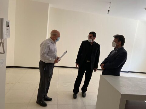 بازدید سرپرست بهزیستی استان و مدیر عامل بنیاد 15 خرداد کشور از پروژه مسکن سادات