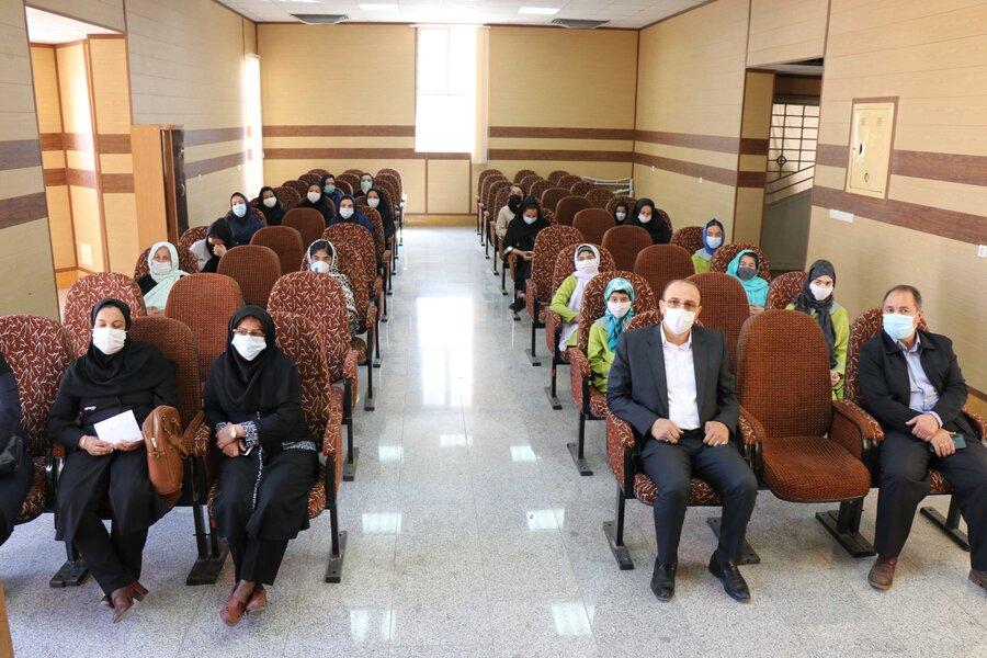 برگزاری مراسم گرامیداشت روز دختر برای دختران مقیم خانه سلامت در آذربایجان غربی