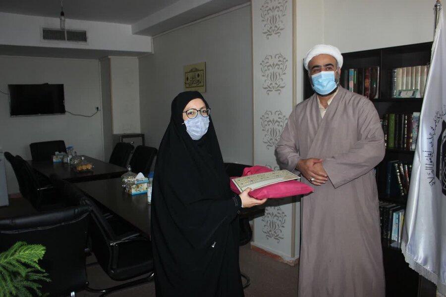 فضاهای اماکن مذهبی جهت دایر کردن نمایشگاه محصولات زنان سرپرست خانوار در اختیار بهزیستی قرار داده شود