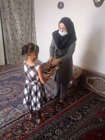 نظرآباد | کارشناسان اورژانس اجتماعی به دیدن دختران تحت حمایت اورژانس رفتند