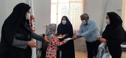 کاشان  تجلیل از دختران امداد بگیر تحت پوشش بهزیستی به مناسبت روز دختر