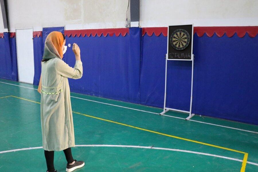برگزاری مسابقات طناب کشی و دارت برای دختران تحت حمایت بهزیستی گیلان