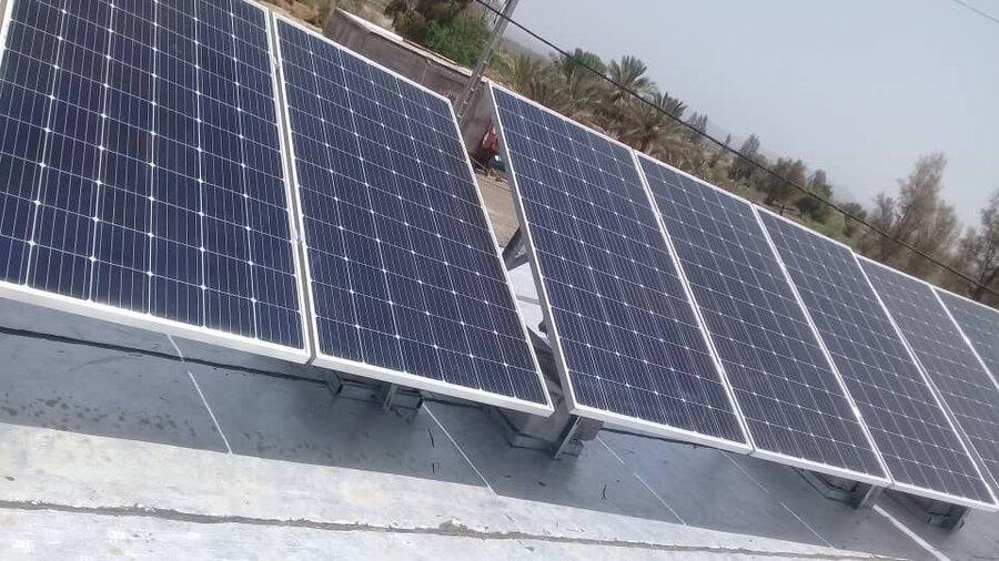 نصب پنل خورشیدی ؛  راهگشای توانمند سازی خانواده دارای شش معلول در رودبار جنوب
