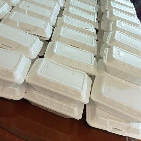 قرچک| توزیع غذای گرم بین بیخانمانها و نیازمندان