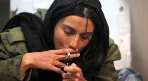 بیش ترین علت روی آوری دختران جوان به مواد مخدر توسط جنس مخالف انجام میشود حال یا همسر یا دوست پسر یا هم خانه است تا محیط خانوادگی.