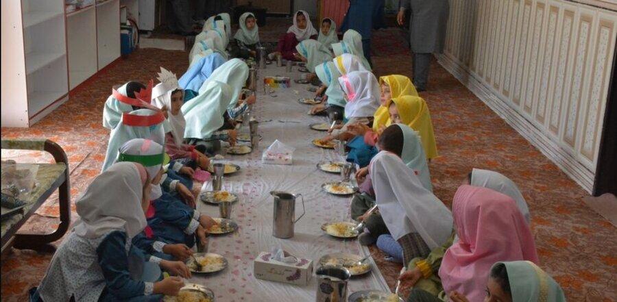 اعتبار یک وعده غذای گرم مهدهای محروم صرف کودکان نیازمند میشود