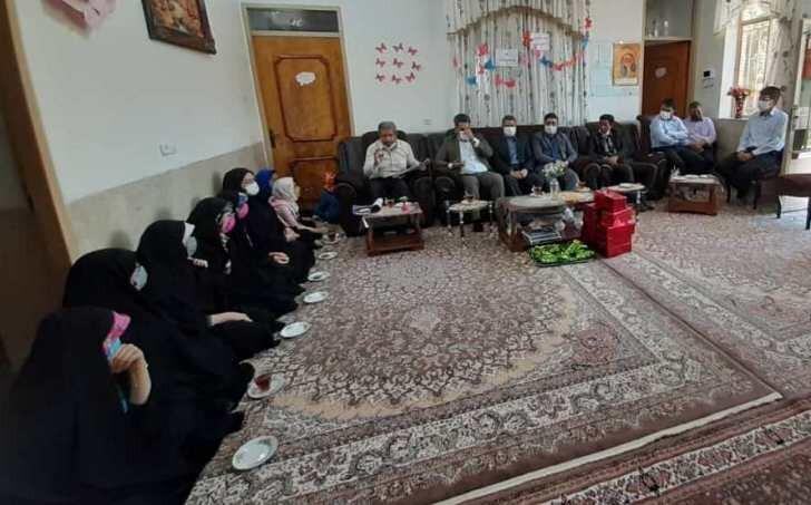 اردستان| بازدید دادستان اردستان و زواره از مراکز بهزیستی