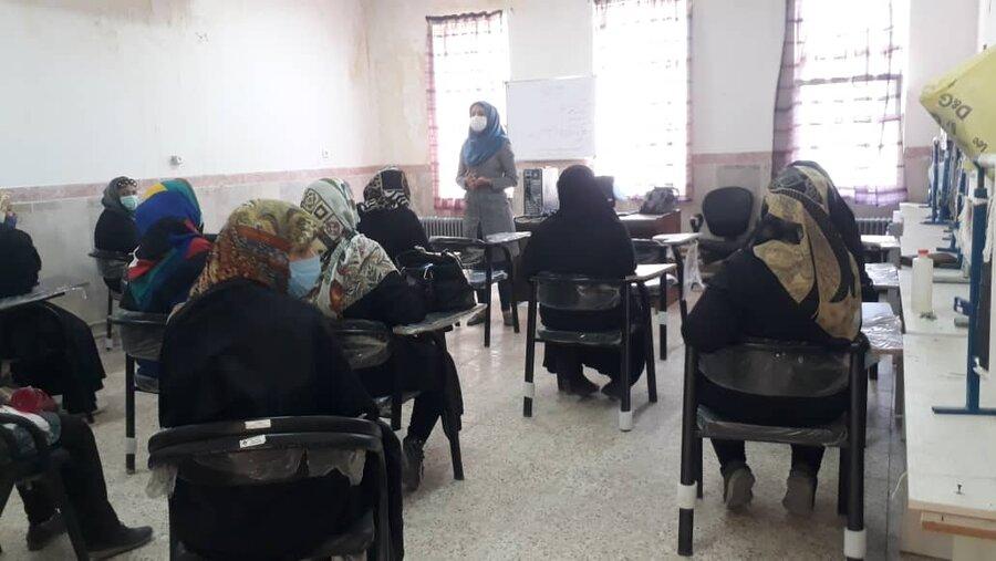 پاکدشت  برگزاری جلسه آموزشی آشنایی با پیامدهای سوء مصرف مواد
