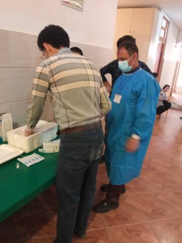 سمنان | گزارش تصویری | واکسیناسیون توانخواهان مقیم در مراکز توانبخشی